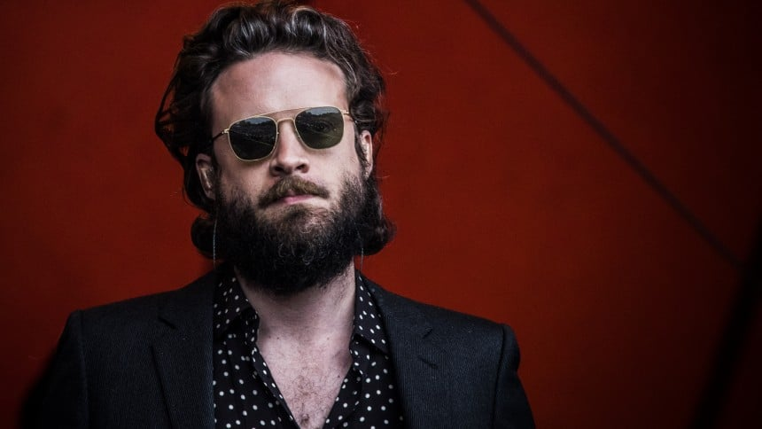 God's Favorite Customer: Father John Misty vuelve a deleitarnos